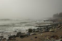海洋和雾 免版税库存照片