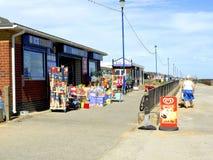 海滩商店,萨顿在海,林肯郡。 免版税图库摄影