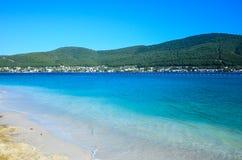海滩在博德鲁姆,土耳其 免版税库存图片