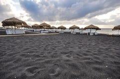黑海滩在圣托里尼 免版税图库摄影