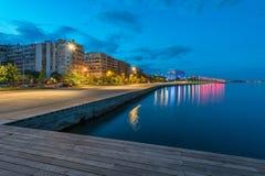 海滩在塞萨罗尼基在黎明 库存图片