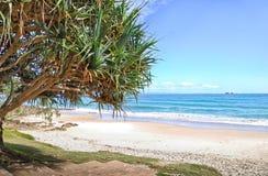 海滩在拜伦海湾在澳大利亚 免版税图库摄影