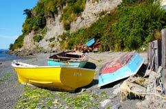 海滩在有低潮的Achao 免版税库存图片