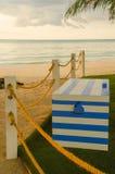 海滩在杆的绳索线 库存照片