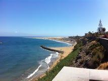 海滩在西班牙晴天海大加那利岛 免版税库存照片