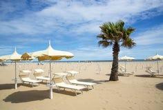 海滩在里米尼,意大利 库存图片