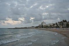海滩在锡切斯,肋前缘Dorada,西班牙 免版税库存图片