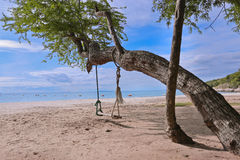 海滩在阳光天 免版税库存图片