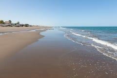 海滩在马斯喀特,阿曼 免版税库存图片