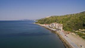 海滩在从上面巴尔奇克,保加利亚 免版税库存照片