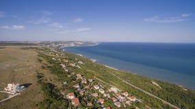 海滩在从上面巴尔奇克,保加利亚 免版税库存图片