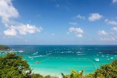 海滩在晴天 库存照片