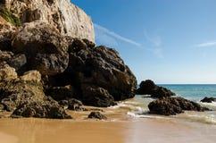 海滩在algarve 免版税图库摄影