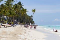 海滩在Bavaro,多米尼加共和国 免版税图库摄影