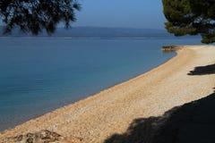 海滩在Brela,克罗地亚 图库摄影