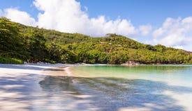 海滩在Constance Ephelia旅馆 免版税图库摄影