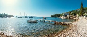海滩在Kalami,科孚岛 免版税库存图片