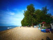 海滩场面在槟榔岛,马来西亚 免版税库存照片