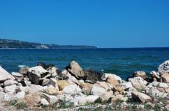 海滩大岩石 图库摄影