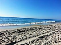 海滩天欢欣 免版税库存照片
