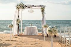 海滩婚礼设定 库存图片
