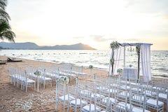 海滩婚礼设定 免版税库存图片