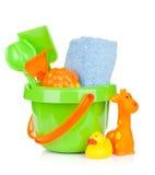海滩婴孩玩具和毛巾 免版税图库摄影