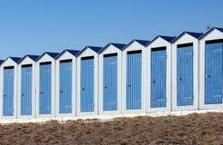 海滩客舱(在法国圣徒吉勒斯Croix de竞争) 免版税图库摄影