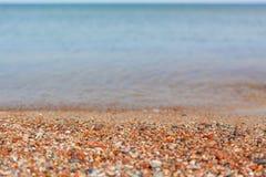 海滩小卵石ctones海岸夏天 免版税库存照片