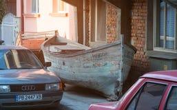 海洋小船街道波摩莱保加利亚 免版税库存图片