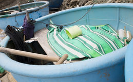 海滩小船钓鱼 越南 免版税库存照片