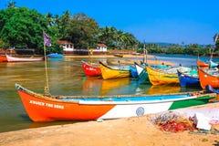 海滩小船钓鱼 免版税图库摄影