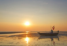 海滩小船danang捕鱼nam viet 库存照片