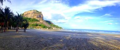 海滩山海天空 免版税库存图片