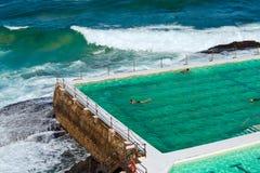 海洋岩石池 图库摄影