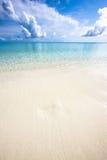 海洋岸在中午, Kuramathi 库存照片