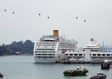 海洋巡洋舰在新加坡 免版税库存图片