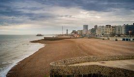 海滩布赖顿日落 免版税库存照片