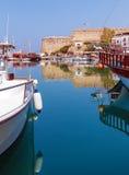 海滨广场和Kyrenia防御(第16 c.),北部塞浦路斯 ),塞浦路斯 免版税库存图片