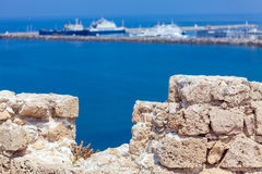 海滨广场和Kyrenia防御(第16 c.),北部塞浦路斯 ),塞浦路斯 库存图片