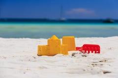 海滩开玩笑沙子玩具 免版税库存照片