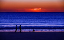海滩离开的日落 库存照片