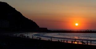 海滩惊人的日落 库存照片