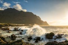 海滩惊人的看法在布埃纳维斯塔德尔诺尔特,特内里费岛,加那利群岛 免版税图库摄影