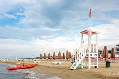 海滩抢救城楼 免版税库存照片