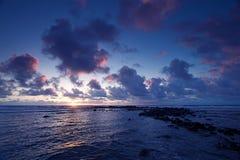 海洋日出 免版税图库摄影
