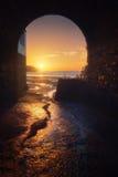海滩日落的Plentzia 免版税库存照片