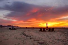 海滩日落视图 免版税库存照片