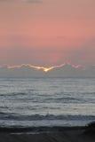 海滩黎明前 免版税库存图片