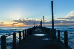 海滩黎明海洋码头 免版税库存照片